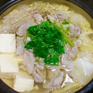 市販鍋スープ♪三つ葉香る白菜と豆腐の豚しゃぶ塩鍋♡