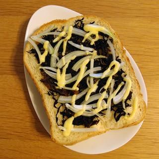 ひじき煮&スライス玉ねぎで作るマヨトースト