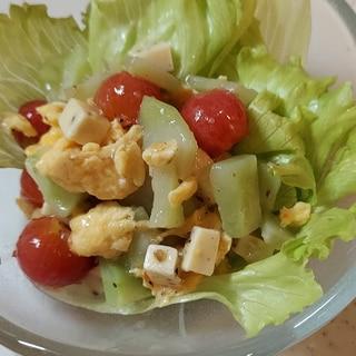 玉子・プチトマト・チーズ・ブロッコリーのサラダ
