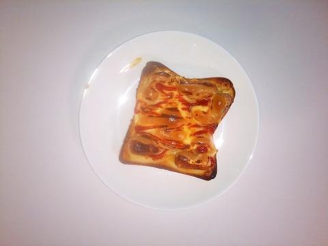 ウインナー目玉焼きパン