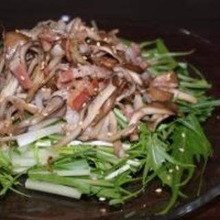 *シャキシャキ水菜に舞茸とベーコン炒めのっけ*