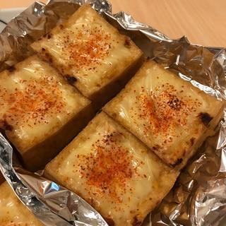厚揚げのバーベキューチーズ焼き