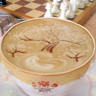 【カフェラテ】サクラサク春の華やかラテ