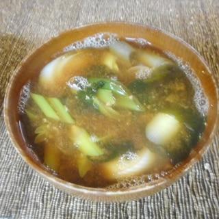 葉玉ねぎとわかめの味噌汁