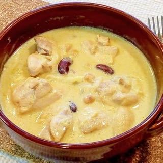♪カレー風味♡鶏もも肉と豆のまろやか豆乳煮込み♪