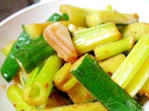胡瓜とセロリのピリ辛中華炒め