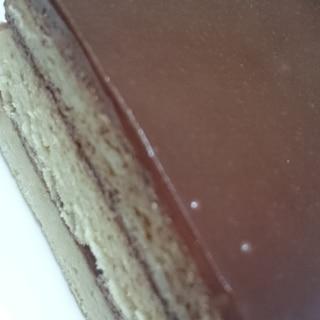 スポンジがあれば材料2つで本格♪チョコレートケーキ