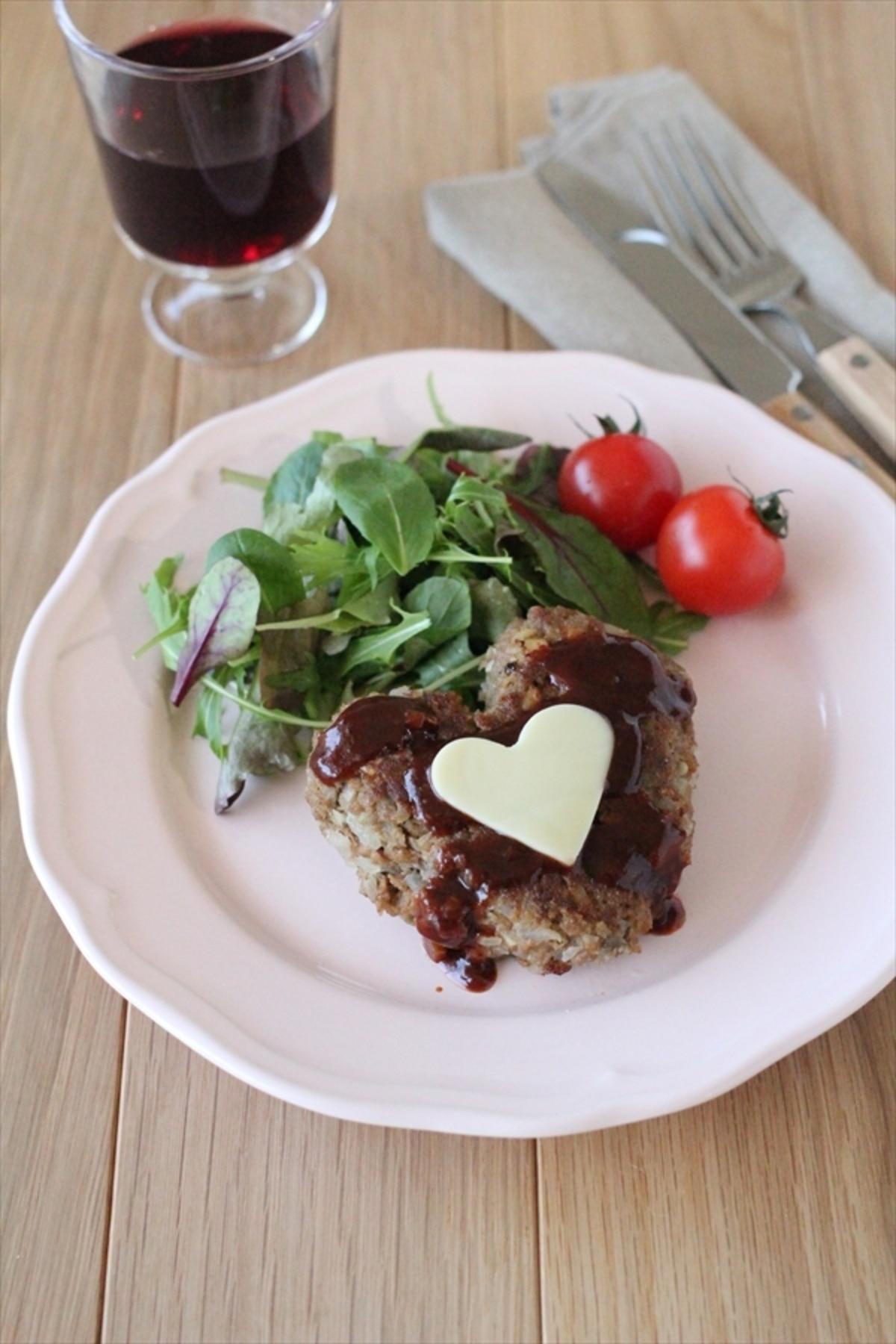 ハンバーグ レシピ スッキリ 【ハナタカ】ハンバーグを肉々しくするコツ!つなぎ、氷水で絶品に☆オススメのソースも(2020.2.27)