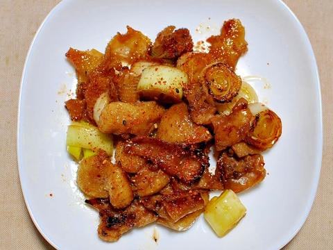 鶏皮と白葱の甘辛しょうゆ炒め