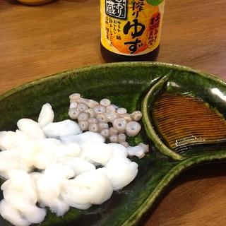 生タコの足と吸盤のお刺身♪柚子ポン酢で