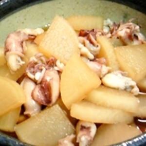 ご飯がすすむ☆小ヤリイカと大根の煮物