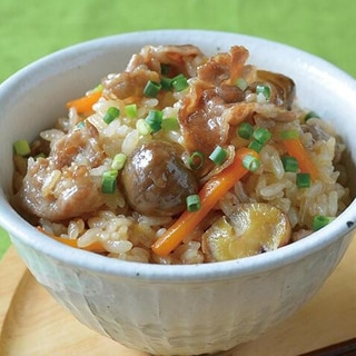 豚肉と楽笑栗の炊き込みご飯