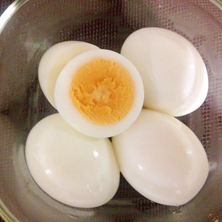 基本の☆ゆで卵の作り方☆茹でるだけ