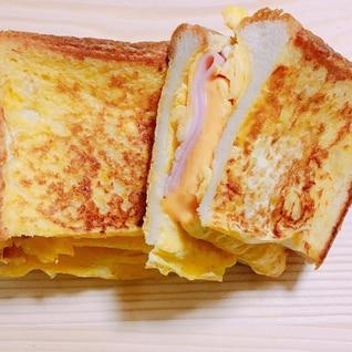食パンアレンジ*フライパンでたまごトースト