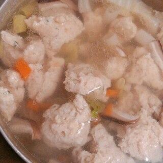 鶏団子のあたたか野菜スープ
