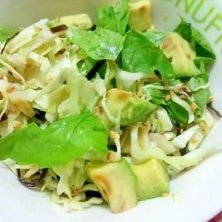 アボカドとキャベツの塩昆布サラダ