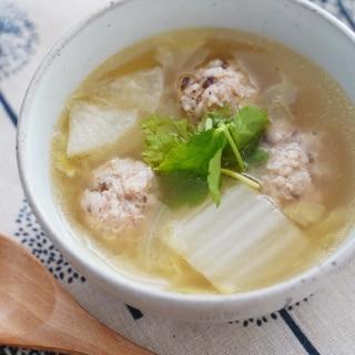 ホッとする味☆白菜と鶏団子のスープ