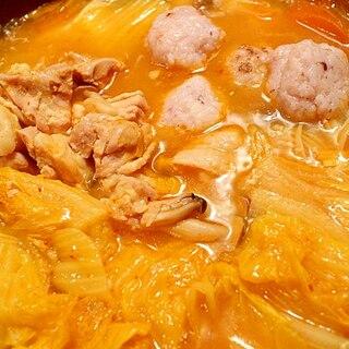 ヘルシー♪鶏キムチ鍋、お団子入り