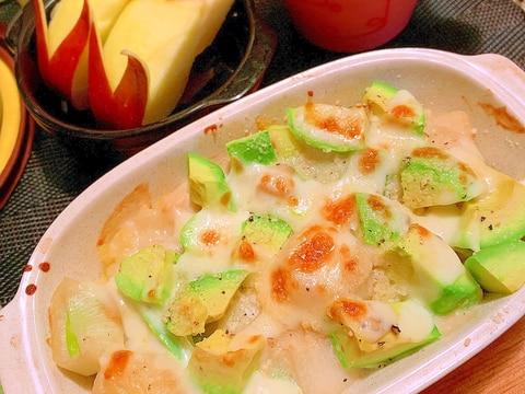 下仁田葱とアボカドの味噌マヨポテとろ蕎麦粉グラタン