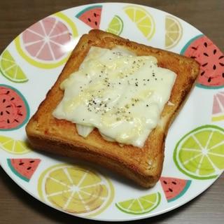濃厚ソースで!玉ねぎトースト