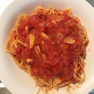 カプリチョーザ風トマトとニンニクのスパゲッティ