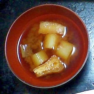 ねぎと油揚げの味噌汁(赤みそ)