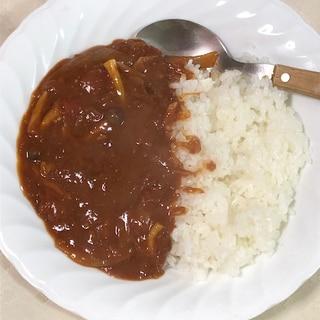 トマトの酸味しっかり☆コンビーフハヤシライス