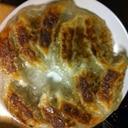 冷凍焼き餃子の美味しい羽根の付け方