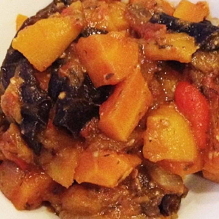 季節の有機野菜トマト煮込み