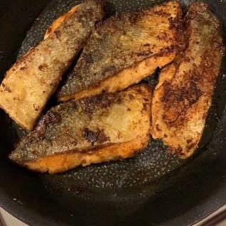 バター香る秋鮭のムニエル