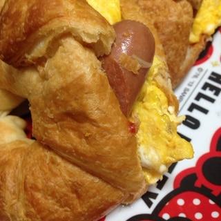 クロワッサンでっ☆卵とウインナーサンド☆