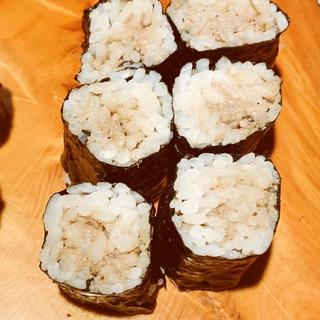 日本酒にワインに、レバーパテの細巻き