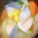 鮭と野菜の大きなお味噌汁