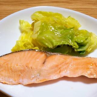 鮭とキャベツの蒸し焼き バター醤油