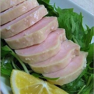"""塩麹でしっとり""""鶏むね肉のレンジで鶏ハム"""""""