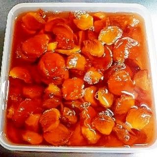 保温調理で作る干し杏と固めで青い柿のコンポート