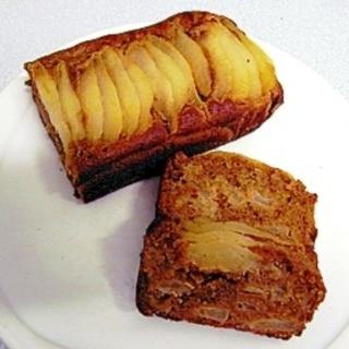 梨や林檎と 黒糖を使ったアーモンドケーキ