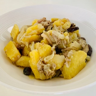 カルバドス香る♪さつまいもとひき肉の炒め物