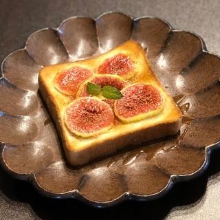 イチジクのシナモントースト