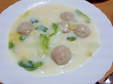白菜と肉団子のクリームシチュー
