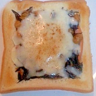 大豆ひじきのチーズトースト