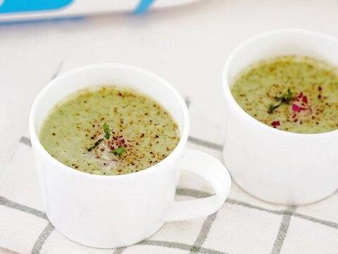 ブロッコリーとカリフラワーのクリーミースープ