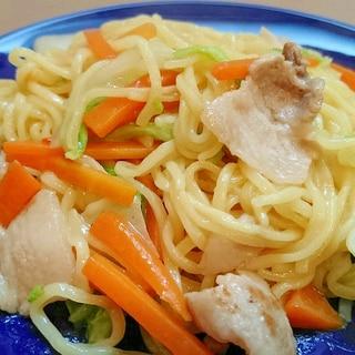 マルちゃん正麺塩味で塩焼きそば風