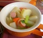 ごろごろ根菜のコンソメスープ