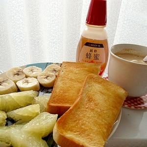 朝食にフルーツセット