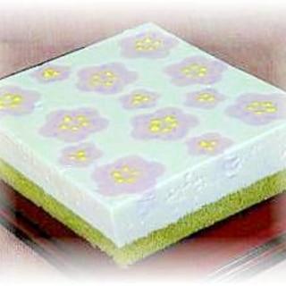 桃の花レアチーズケーキ