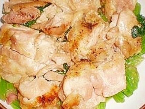 カレー風味でガーリックもも肉焼き