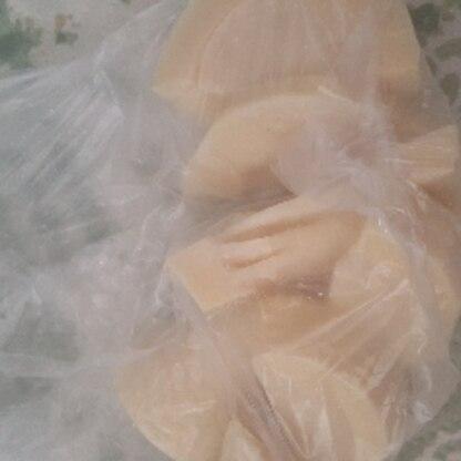 貰い物のたけのこで♪冷凍できるなんて嬉しいです♥レシピ有難うございました♪ヽ(´▽`)/