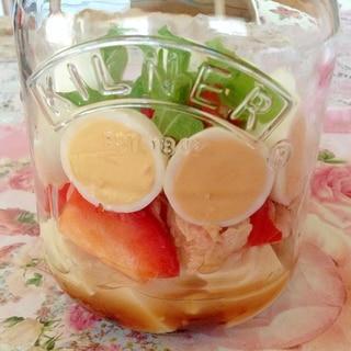 ツナと卵とパプリカとわかめと豆腐のジャーサラダ♡