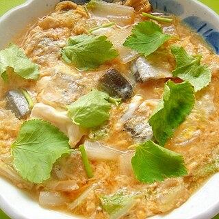 さんまの味噌煮缶と白菜の卵とじ